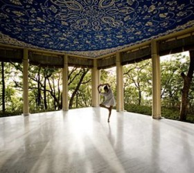 Yoga at Ananda Spa in the Himalayas